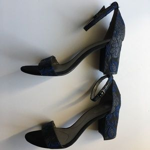 Bandolino Block Heeled Sandals
